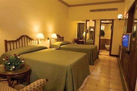 Majorda Beach Resort Photo