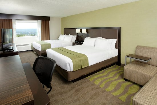 Holiday Inn Wilkes Barre East Mountain: Two Queen Size Beds Guest Room