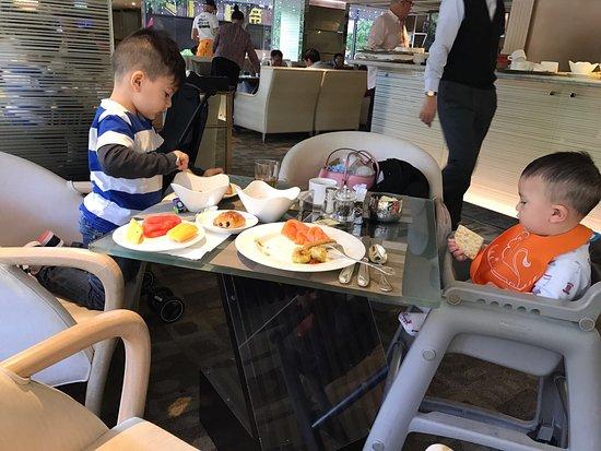 Regal Kowloon Hotel: photo2.jpg