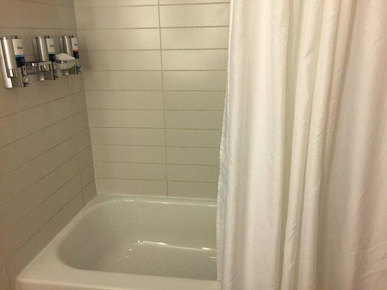Four Points by Sheraton Las Vegas East Flamingo: Baño habitación
