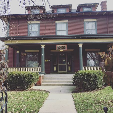 December stay at Looking Glass Inn
