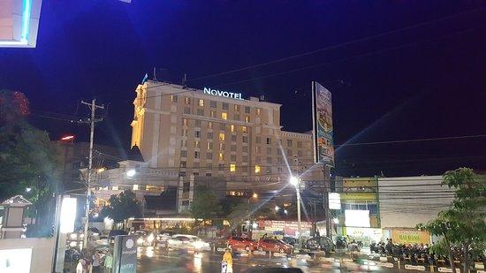Good hotel and medium price.