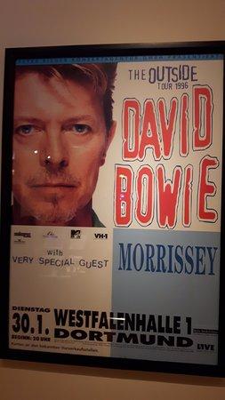 David Bowie Poster (Rock'n'Roller Coaster) - รูปถ่ายของ วอลต์