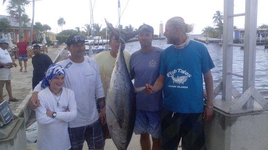 จอร์จทาวน์, เกาะแกรนด์เคย์แมน: Fish Tales