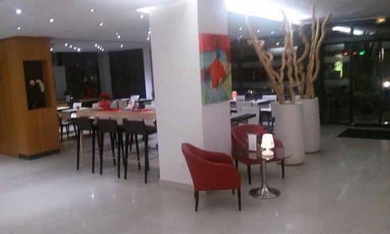 Hotel La Rotonde: 20161215_204959_large.jpg