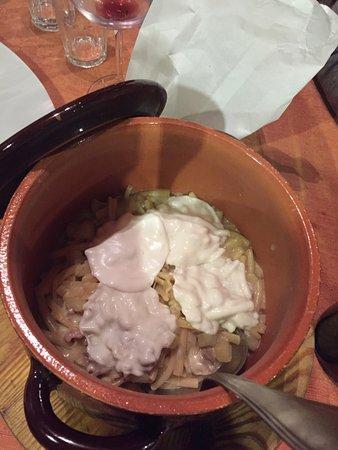 Taverna Mascalzone: pasta patate provola funghi porcini salsiccia