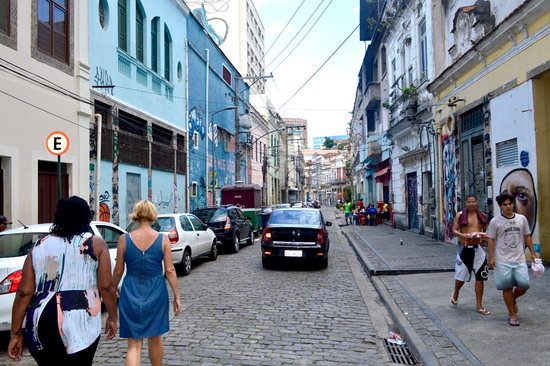 Lisa Rio Tours : Walking through Rio
