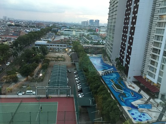 HARRIS Hotel & Conventions Kelapa Gading Jakarta: View from Room