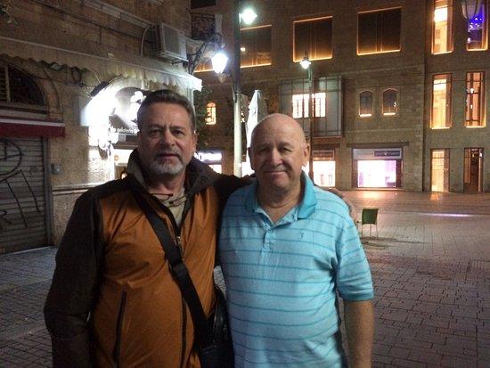Kaplan Hotel: Привет от Юры и Ольги! Очень надеемся вернуться в Иерусалим к этим замечательным людям!