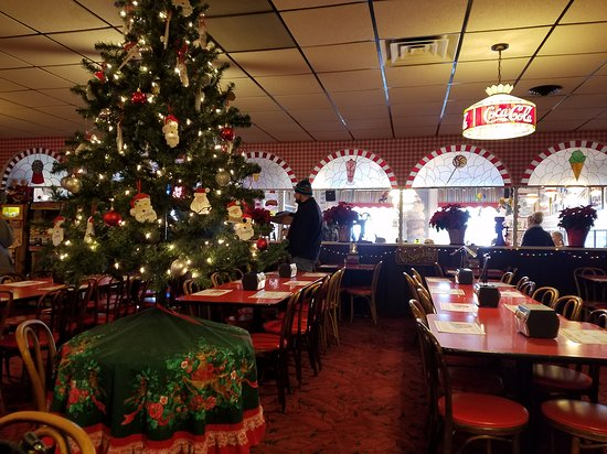 Happy Joe's Pizza & Ice Cream Parlor: Christmas Lunch