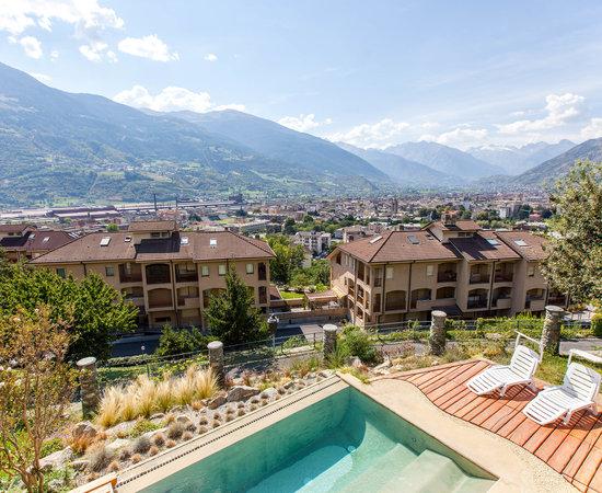 Hotel milleluci aosta itali foto 39 s reviews en for Design hotel valle d aosta
