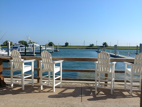 Redfish Willies Waterfront Grill: Beautiful view.