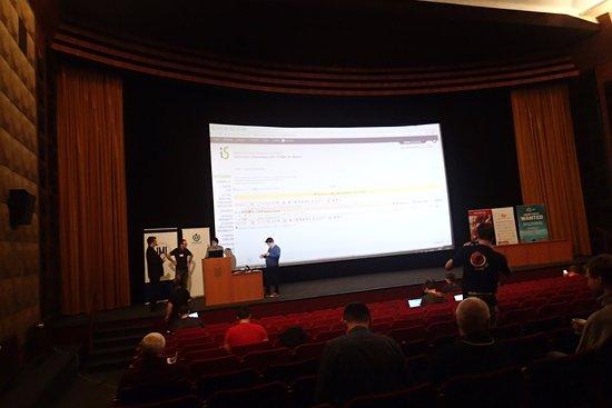 Univerzitni Kino Scala