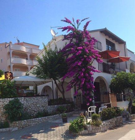 Okrug Gornji, Croatia: perceel met huis