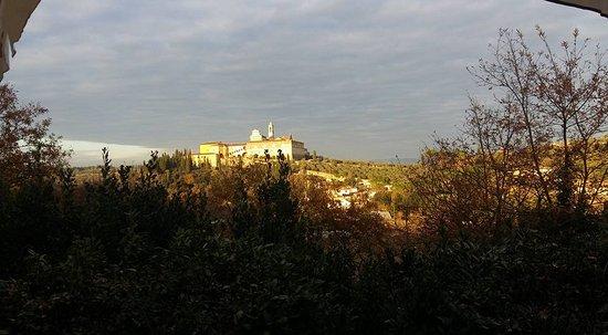 guardando dalla terrazza - Picture of Ristorante Il Chichibio ...