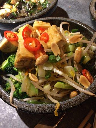 yugo pad thai tofu v