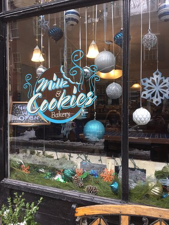 Milk and Cookies Bakery: Outside sign