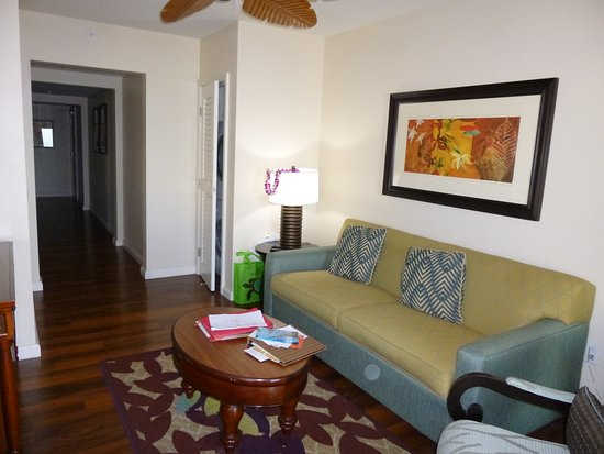 Grand Waikikian by Hilton Grand Vacations: Living room of our 2-bedroom suites