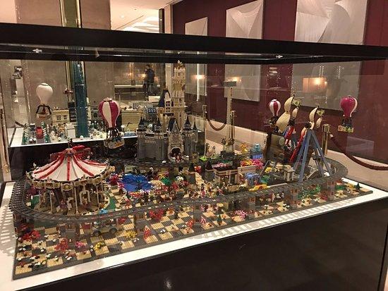 Lotte Hotel World: Lobby 레고 전시이벤트