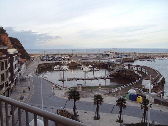 Hotel City House Marsol: Vista del puerto desde el balcón de la habitación.