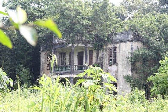 Lung Yeuk Tau Heritage Trail: Shek Lo property in Fan Ling
