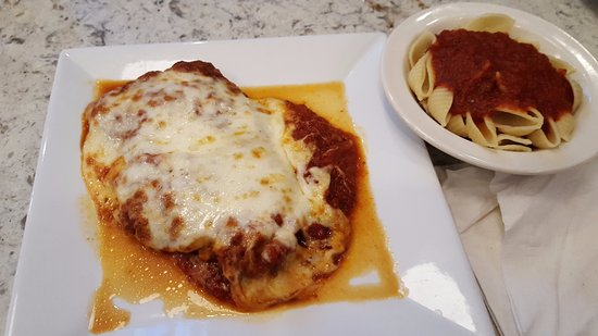 East Windsor, CT: Chicken Parm & Shells
