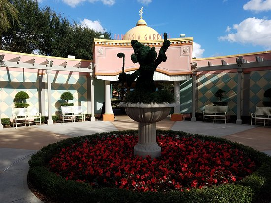 Kissimmee, FL: Disney's Fantasia Gardens Miniature Golf Course
