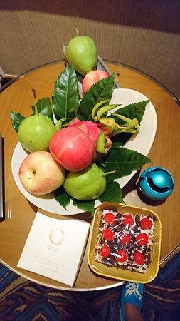 Baotou, China: 金環會 飯店訴的水果
