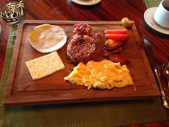 Restaurante Celajes at Hotel Belmar: Desayuno Cafe