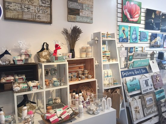 Lauderdale By The Sea Resort : Best local shop in Lauderdale by the sea