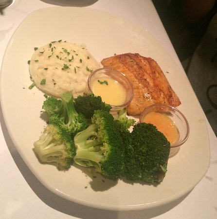 Bonefish Grill - Skokie : Atlantic Salmon with Garlic Whipped Potatoes and Broccoli