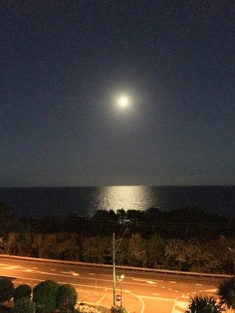 Coolum Beach, Australia: Perfect moonlit night