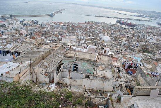 Kasbah of Algiers: Вид с крыши на Касьбу
