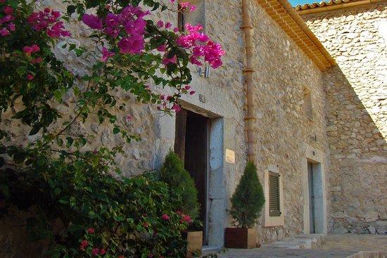 Moscari, Spain: Hotel Can Riera - Exterior