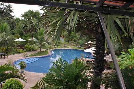Battambang Resort: Piscina