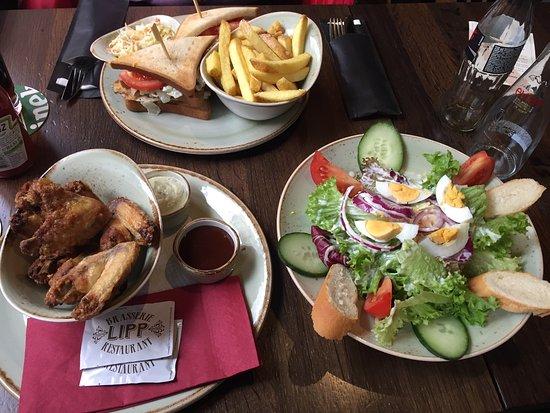 The Lion Pub Zürich: อาหารอร่อยบริการรวดเร็วดี ส่วนราคาก็ปานกลางสำหรับซูริคไม่ถือว่าแพงมาก