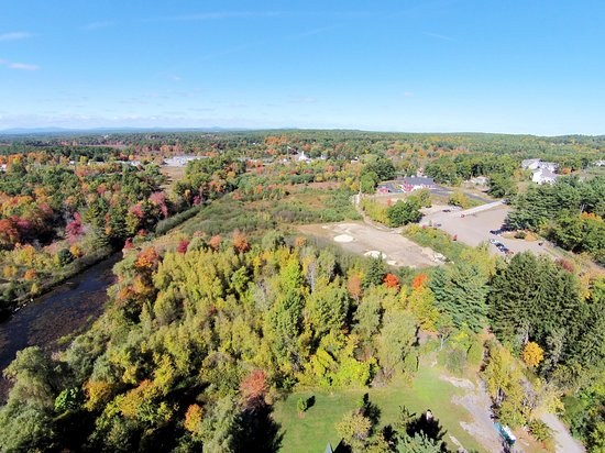 Hudson, Nueva Hampshire: Aerial via of the park taken October, 2014