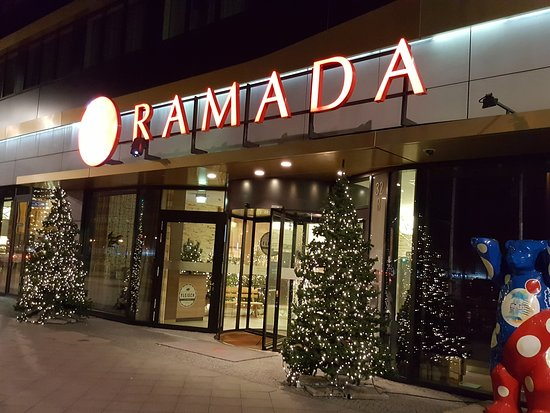 RAMADA Hotel Berlin Alexanderplatz: 20161217_224503_large.jpg