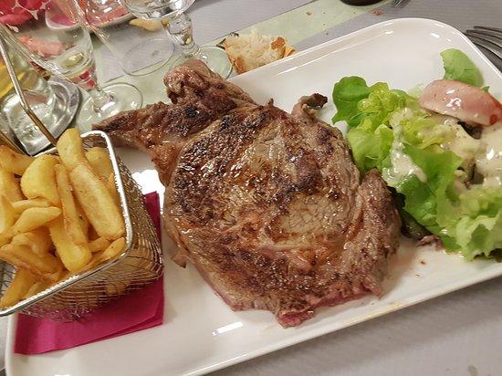 Charolles, Francia: 20161218_130157_large.jpg