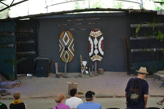Tjapukai Aboriginal Cultural Park: Stage