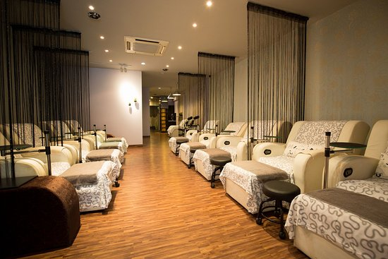APW Foot Reflexology & Spa
