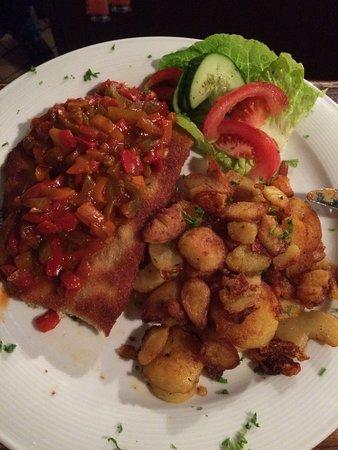 Neuhaus am Rennweg, ألمانيا: Zigeunerschnitzel mit Bratkartoffeln
