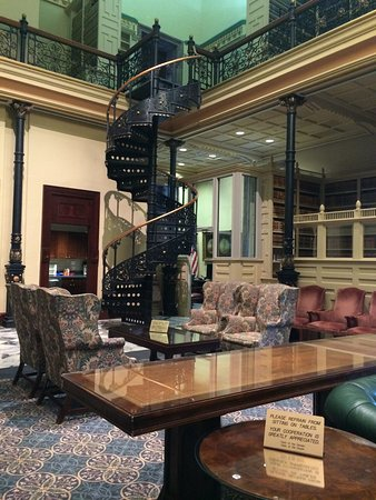 South Carolina State House: Staircase