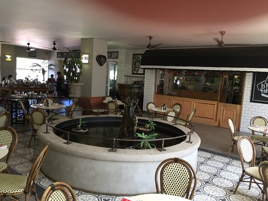 Remo's Villaggio: inside view