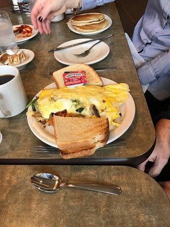 Windmill Restaurant: Great breakfast menu