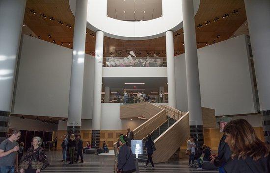 Main atrium sfmoma picture of san francisco museum of for San francisco museum modern art