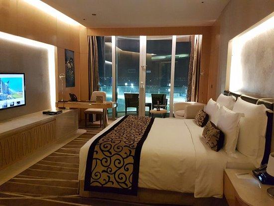 Chambre avec vue - Picture of The Meydan Hotel, Dubai - Tripadvisor