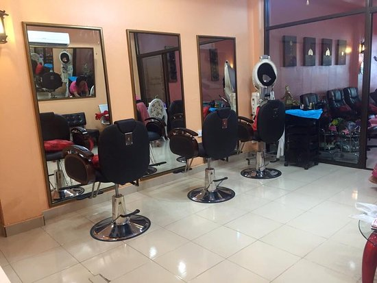 Salon hairdressing.....le salon de coiffure - Picture of The Home ...
