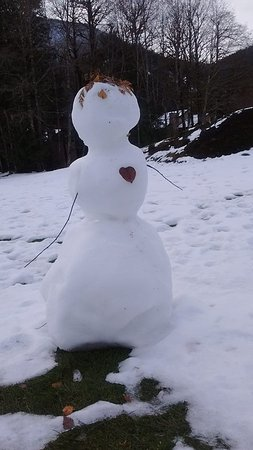 Welches, Oregón: This snowman has a big heart