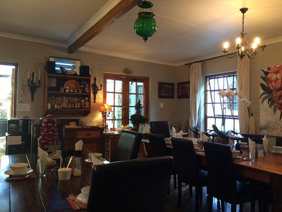 Forest Hall Guest House: Le petit déjeuner est servi